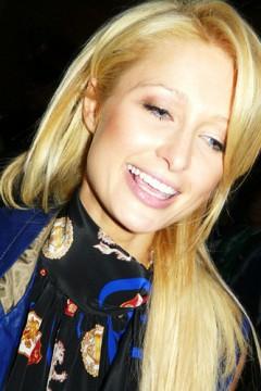 Paris Hilton lucha por su dominio