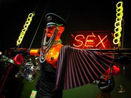 Sex nombre de dominio