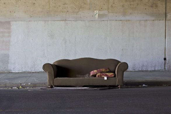 Sofá en la calle